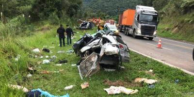 Acidente deixa três mortos na BR-277 no Paraná; fotos e vídeos