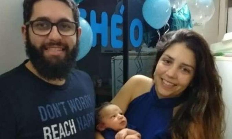Bebê declarado morto por hospital é encontrado chorando por agente funerário