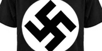 Homem pendura camiseta com símbolo nazista e é preso pela PM