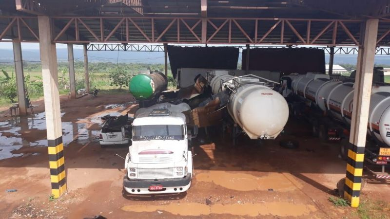 Explosão mata sogro e genro durante soldagem de caminhão tanque carregado de combustível