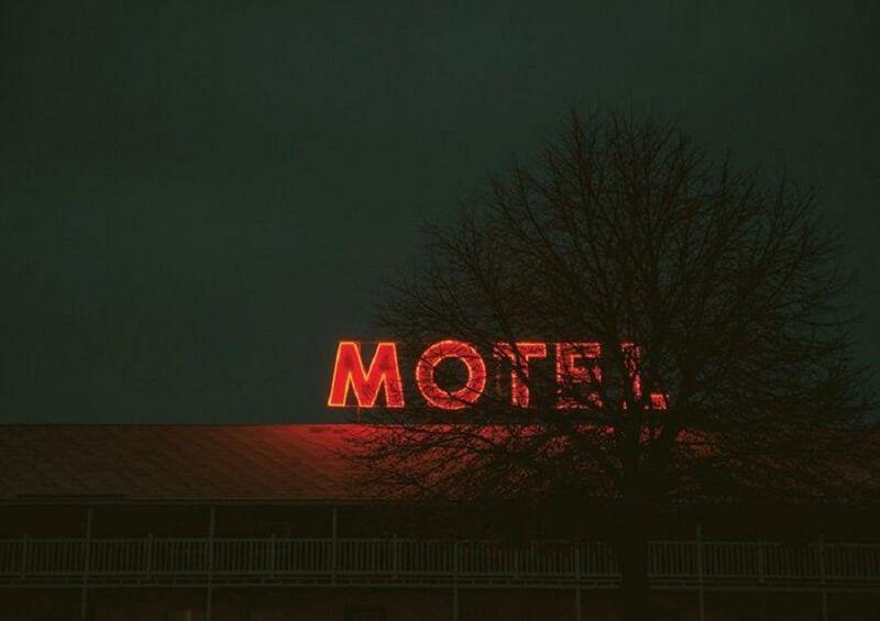 Menina de 15 anos morre em motel após relação sexual com dois homens