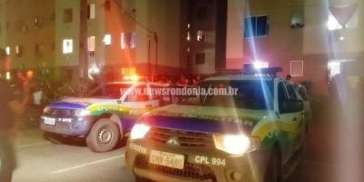 Mãe flagrada agredindo criança é espancada por populares em Porto Velho