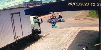 Câmera registra acidente entre duas motos em Ji-Paraná; veja o vídeo