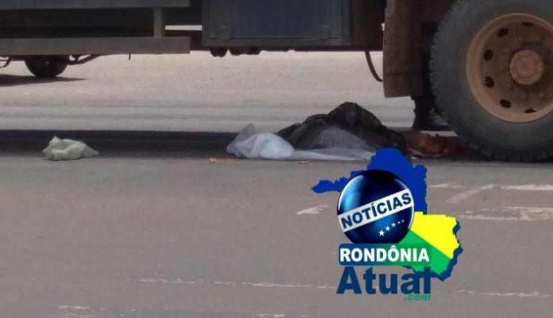 Mulher morre atropelada ao tentar atravessar BR 364 em Ji-Paraná