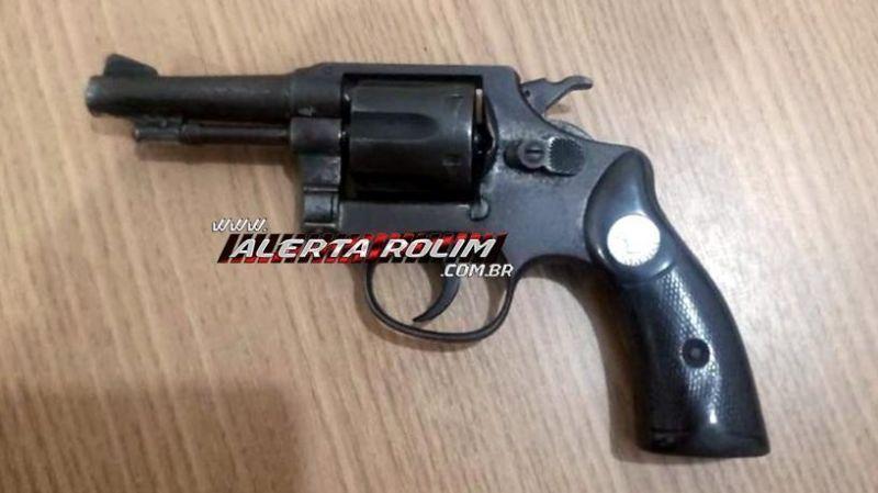 Homem é preso com arma de fogo no Centro de Rolim de Moura
