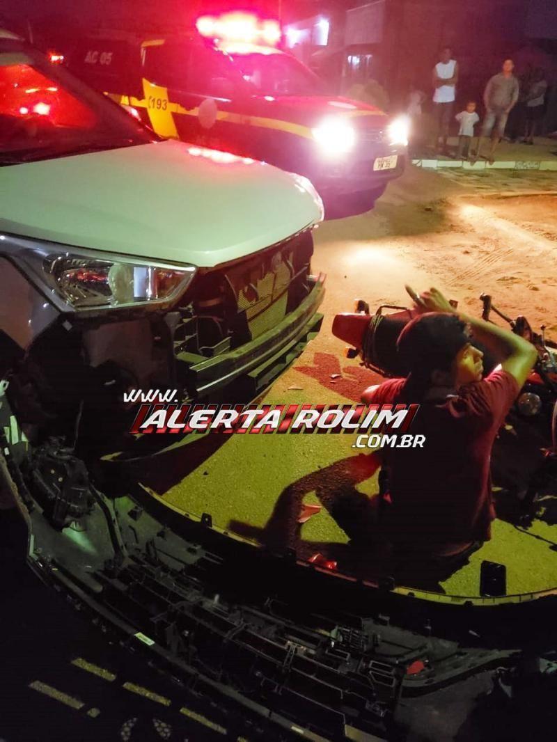 Acidente de trânsito envolvendo moto e carro é registrado no Bairro Planalto em Rolim de Moura