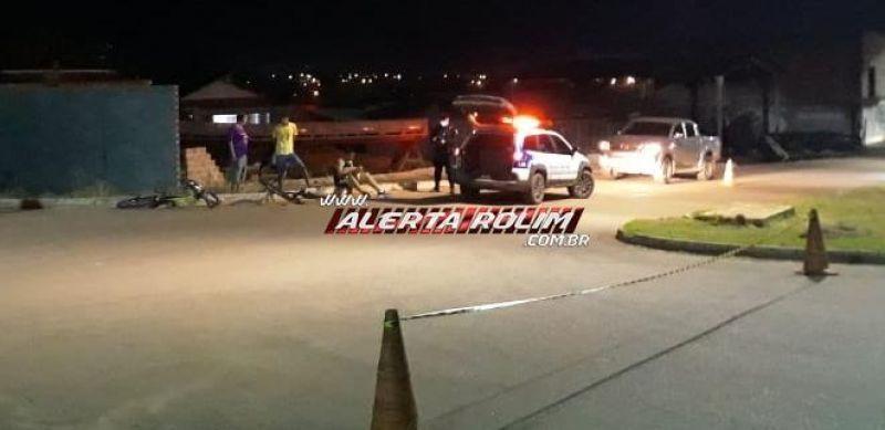 Motociclista é socorrido com suspeita de traumatismo craniano após acidente com dois ciclistas em Rolim de Moura