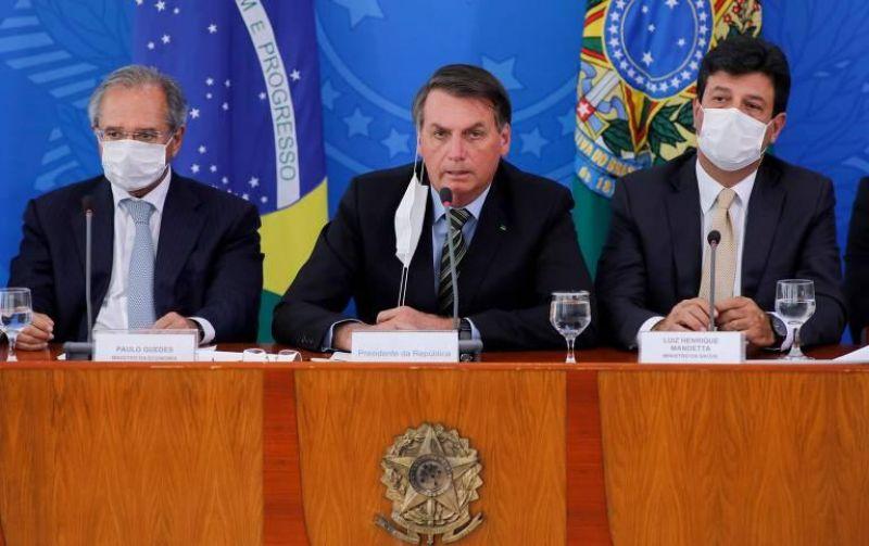 Bolsonaro volta atrás e diz que mandou revogar artigo da MP que permite suspensão de contrato de trabalho
