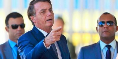 Presidente chama jornalistas de 'urubus' e diz que se o Brasil ficar fechado vai 'quebrar...