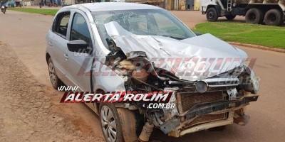 Idosa perde o controle de direção e bate carro em outro veículo estacionado em Rolim...