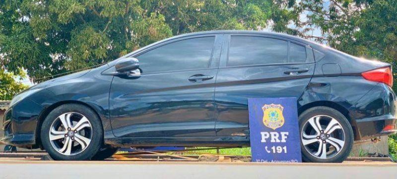 Foragido da justiça de Vilhena é preso pela PRF na BR-364 com carro roubado