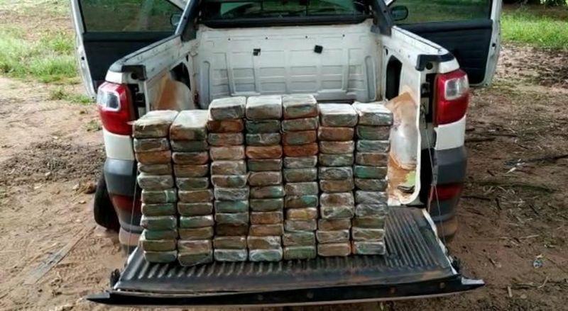 Motorista de caminhonete é preso com quase 100 kg de droga em MT
