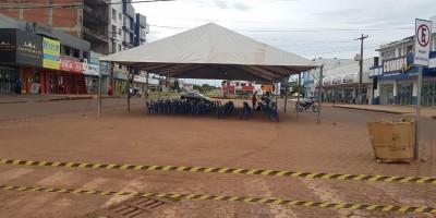 Prefeitura de Rolim de Moura interdita ruas e disponibiliza tendas e cadeiras para...