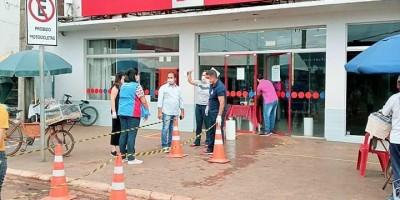 Agência do Bradesco, em Rolim de Moura, é interditada por fiscais da prefeitura; veja o...