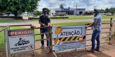 Fiscais da prefeitura de Rolim de Moura interditam pistas de caminhada por causa do...
