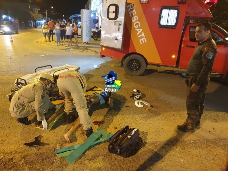 Motociclista inabilitado fura sinal e colide em viatura da Polícia Militar Ambiental em Ji-Paraná
