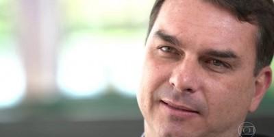 Flávio Bolsonaro diz que tem informação de 'anônimos' e que virá um 'tsunami' contra...