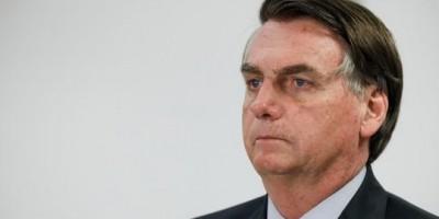 Bolsonaro diz lamentar mortes por Covid-19, mas 'é destino de todo mundo'
