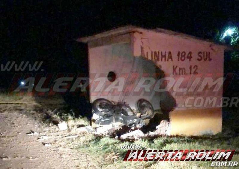 Motociclista perde a vida após bater em ponto de ônibus do km 12 da RO-383, em Rolim de Moura