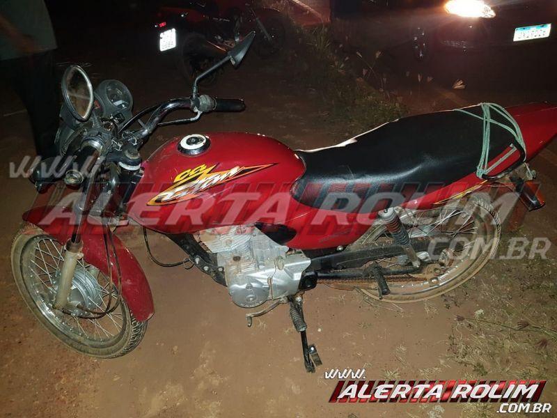 Animal solto na pista ocasiona acidente no Bairro Cidade Alta, em Rolim de Moura