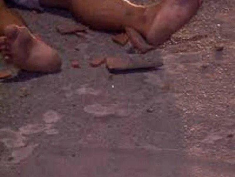 Criminoso agride homem com várias pauladas durante roubo de R$ 150
