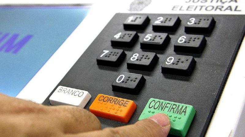 Câmara aprova adiamento das eleições municipais para novembro de 2020