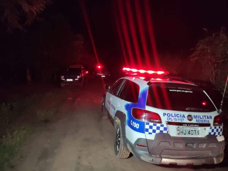 PM age rápido e intercepta suspeitos de tentarem roubar propriedade na linha 168 em Rolim de Moura