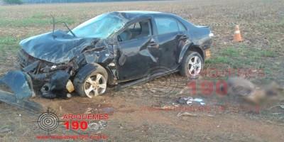 Motorista morre após capotamento de Corolla em rodovia