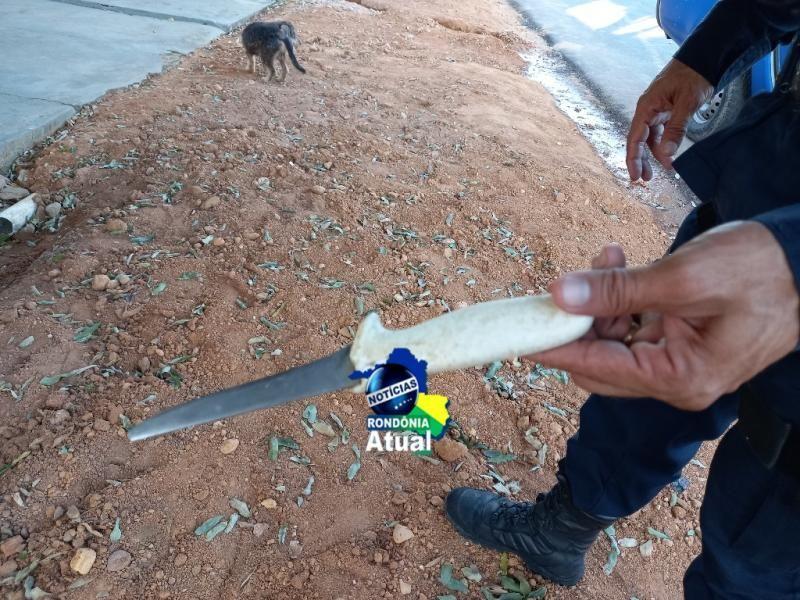 Homem é esfaqueado, supostamente, pela ex-mulher em Ji-Paraná;