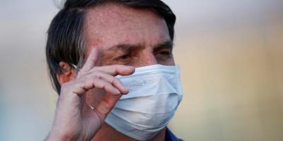 Bolsonaro testa positivo para covid-19 pela terceira vez, diz Planalto