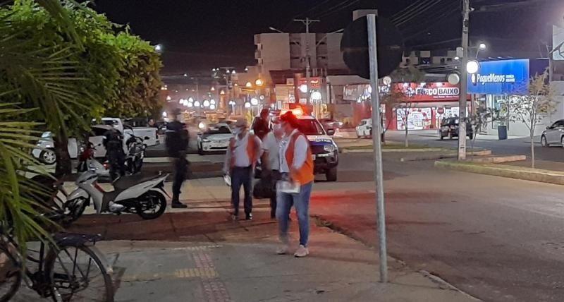 Prefeitura de Rolim de Moura faz fiscalização para inibir aglomerações