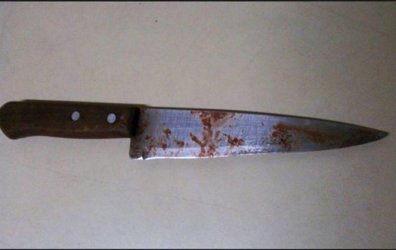 Homem vai ao banheiro e, ao retornar, encontra irmão com faca cravada no corpo em Vilhena