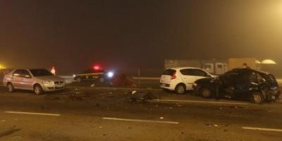 Fumaça e neblina: acidente com mais de 20 veículos na BR-277 deixa 8 mortos e 26...