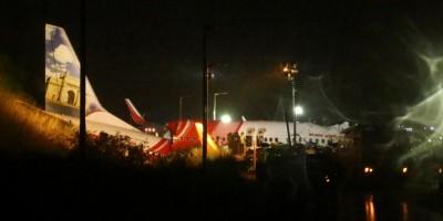 Avião se parte em dois durante pouso na Índia e deixa 17 mortos; veja o vídeo