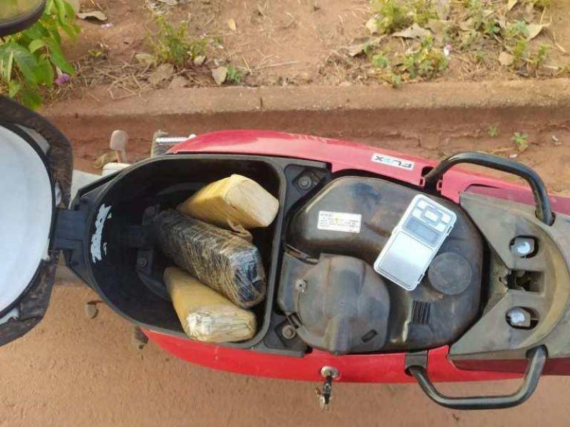 Equipe do PATAMO apreende mais de 03 kg de maconha, durante abordagem no Bairro Olímpico, em Rolim de Moura