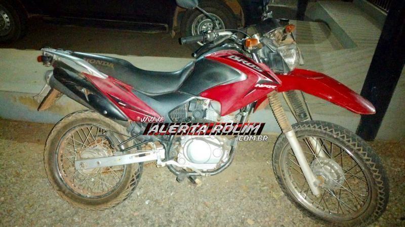 Moto roubada em Rolim de Moura é recuperada pela PM em Santa Luzia; Um suspeito foi preso