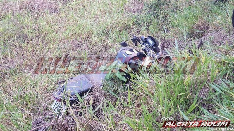 Motociclista sofre queda após sair fora da pista na RO-010 em Rolim de Moura