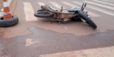Motociclista é socorrido ao hospital após sofrer acidente em Rolim de Moura
