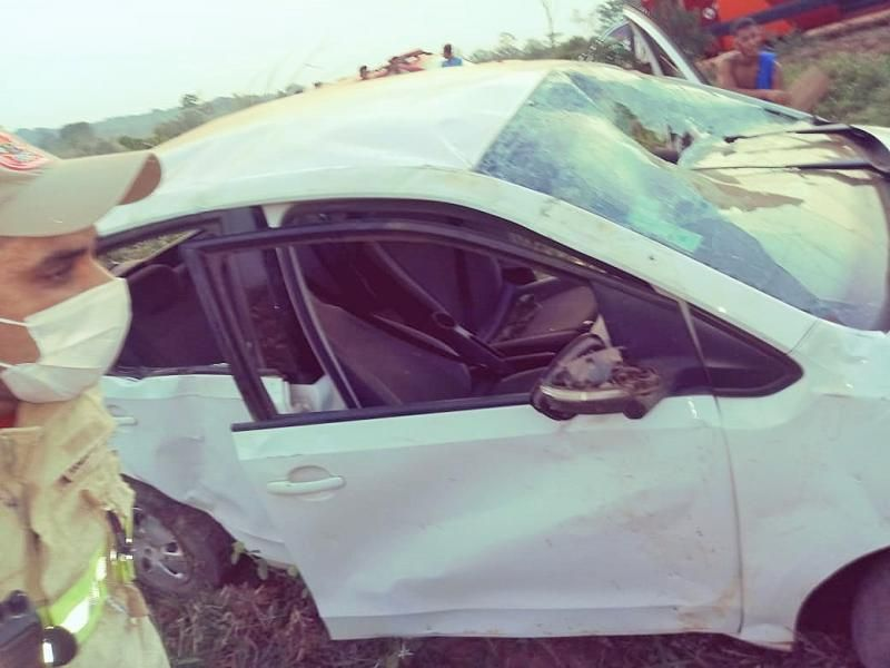 Jovem morre após ser arremessado de carro durante capotamento na zona rural de Guajará-Mirim