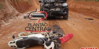 Homem morre após colidir frontalmente em caminhonete no interior de Rondônia