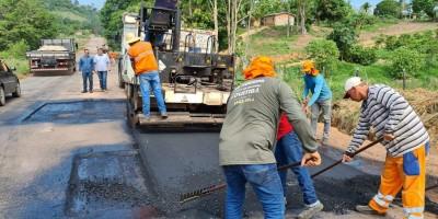 Governo de Rondônia recupera trecho da RO-383, entre o trevo da RO-490 e Alta Floresta