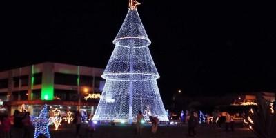 """Prefeitura de Rolim de Moura irá realizar o """"Natal de Luz 2020"""" na Rotatória..."""