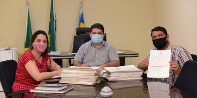 Prefeitura de Rolim de Moura paga gratificação do Plano de Carreira da Educação