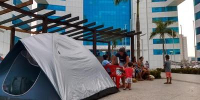 Sem-terra montam acampamento em frente ao palácio do governo de RO e pedem...