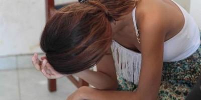 Estuprador 'brocha' na hora H e adolescente de 17 anos escapa de ser estuprada