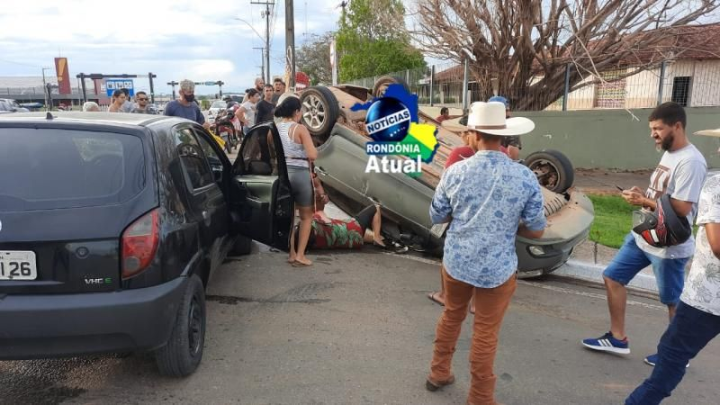 Condutor embriagado causa grave acidente com capotamento em Ji-Paraná