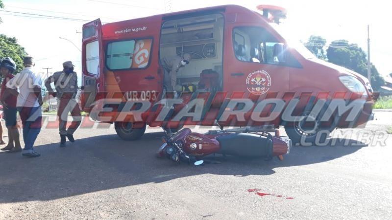 Motociclista sofre fratura exposta após colisão com outra moto, em Rolim de Moura