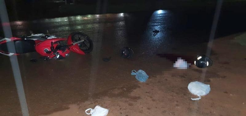 Carreta causa acidente com vítima fatal na BR-364 em Jaru e motorista foge sem prestar socorro