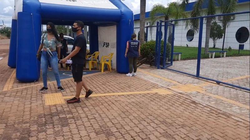 Candidatos chegam atrasados e perdem reaplicação da prova do Enem em Rolim de Moura