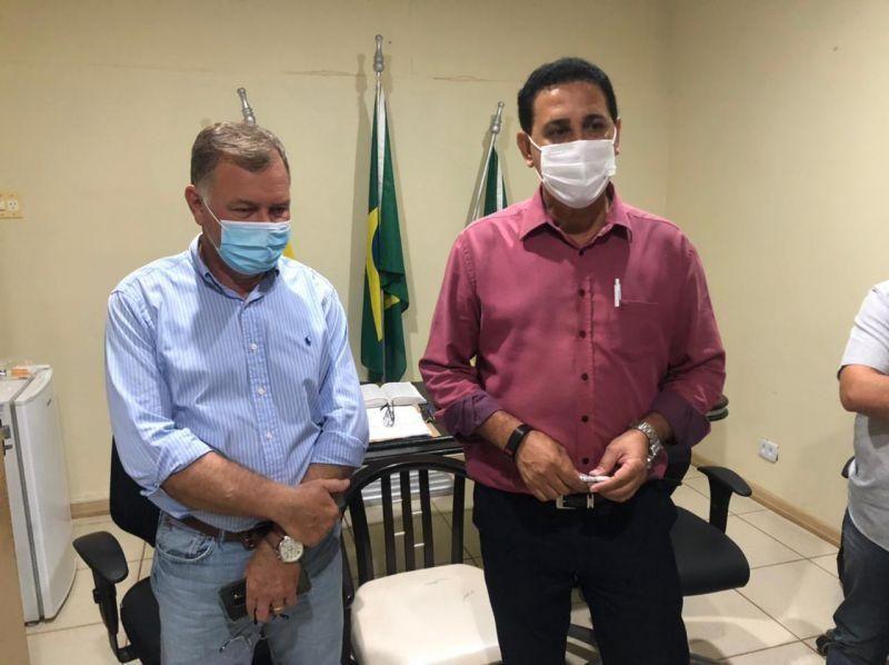 Aldo Júlio recepciona Deputado Federal Lúcio Mosquini e solicita ambulância com UTI e maquinários para obras